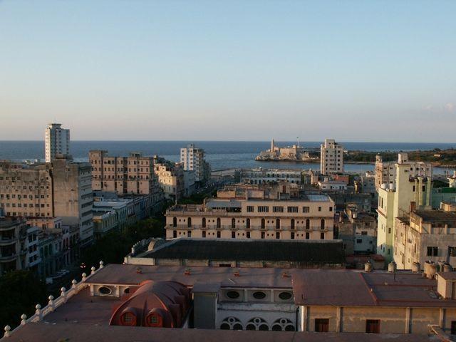IMAG1766  Blick über Havanna von 9. Stock des Hotels Sevilla